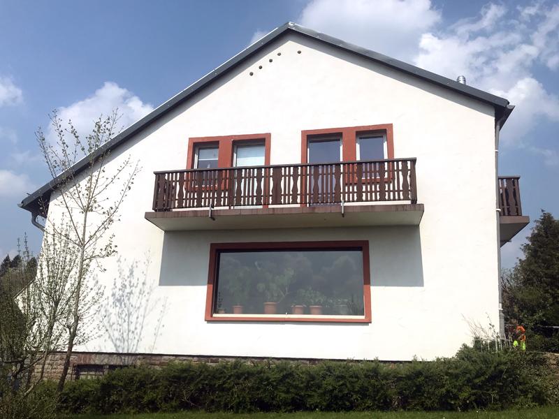 Fassadenreinigung Einfamilienhaus Beispiel 2 Nachher